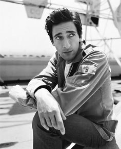 I have always been strangely attracted to Adrian Brody. I have no idea what it is, his schnozz is monstrous.