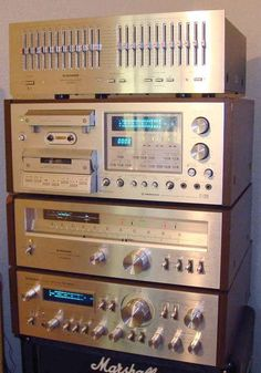 My Life History with Vintage HiFi – Your Pages – David Swaffer – StereoManuals.c… – henri – Audioroom Retro, Audio Rack, Speaker Amplifier, Wireless Speakers, Audio Sound, Record Players, High End Audio, Hifi Audio, Vintage Music