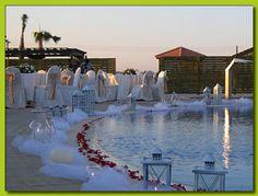 Cómo decorar una piscina para una boda | Preparar tu boda es facilisimo.com