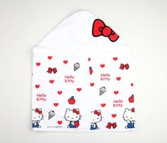Hello Kitty Kids Hooded Towel: Heart