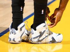 LeBron's On and Off Relationship with the Nike LeBron 12 Elite Continues