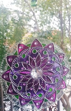 Recycled Cds, Mandala Painting, Mandala Design, Suncatchers, Stained Glass, Cool Art, Glass Art, Art Projects, Diy And Crafts