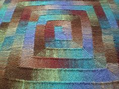 Another view of a 10 stitch blanket pattern using dyed yarns. Ravelry: Ten Stitch Blanket pattern by Frankie Brown Loom Knitting Patterns, Free Knitting, Stitch Patterns, Crochet Patterns, Start Knitting, Finger Knitting, Quick Knitting Projects, Crochet Projects, Knitting Tutorials