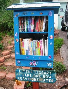 Mini library - I was thinking about doing this with all my children books that I saved for my children as they don't want them.