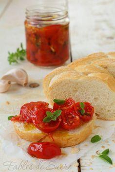 Pomodorini confit sott'olio. Ricetta utile e facile. Volete mangiare i pomodorini anche d'inverno? Ecco come fare in poche mosse. Buonissimi e sfiziosi.