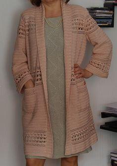 Curso Cardigan De Crochê Passo-a-Passo - Silvana Regina Batista Santos - learn a new skill - Online Courses, Members Area, Subscription Services Gilet Crochet, Crochet Blouse, Crochet Poncho, Crochet Shrugs, Crochet Sweaters, Free Crochet Jacket Patterns, Crochet Pattern, Mode Hijab, Crochet Fashion