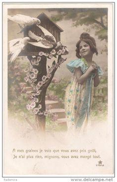 "Carte Postale Ancienne ""Pigeons"" France."