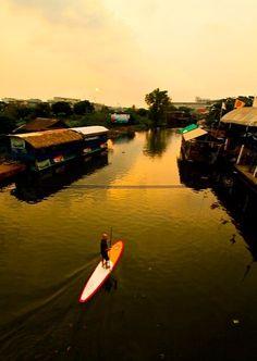 Bangkok paddle out before sunset. Scott McKercher. @Starboard SUP #thailand #adventure #travel #destination #sup #standuppaddle #paddletheplanet #supmag #standuppaddlemagazine #water #waterways #sunset #supeveryday