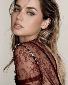 In Awe Of Beauty — joewright: Ana de Armas by Dove Shore. Beautiful Girl Image, Beautiful Eyes, Most Beautiful Women, Beautiful People, Girl Face, Woman Face, Beautiful Celebrities, Beautiful Actresses, Pretty Face