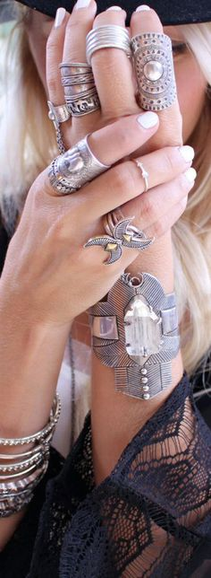 @BlackC☮ral4y☮u ❤️☮❤️✌︎..*・·̩.˖✶.✿ ★~(◡﹏◕✿)✿*´¨`✿⊱╮.Boho jewelry