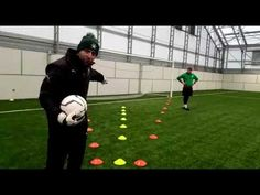 Goalkeeper Training: Positioning and Angles Tutorial Soccer Goalie, Soccer Drills, Goalkeeper Training, Cattery, Angles, Coaching, Positivity, Youtube, Soccer Workouts