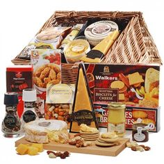 Cheese and Crackers Deluxe Set to Czech-Republic