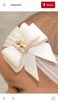 Diy ribbon flower with beads grosgrain flowers with beads t Handmade Hair Bows, Handmade Hair Accessories, Diy Hair Bows, Diy Bow, Diy Ribbon, Ribbon Bows, Hair Ribbons, Ribbon Hair, Diy Headband