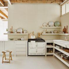 Colori neutri, materiali naturali e texture soffici: ecco cosa mi piace di Atelier Sukha , una nuovissima scoperta made in Netherland capace...
