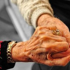 Till death do us part.what true love is all about .those who have experienced it know what I mean Vieux Couples, Old Couples, Couples Images, All You Need Is Love, Love Is Sweet, Hold My Hand, Hold On, Grow Old With Me, Growing Old Together