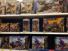 Halo figures and Legos