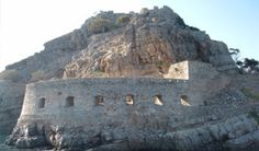 Spinalonga,Spinalonga island,Spinalonga in Crete Crete Heraklion, Crete Island, Crete Greece, Famous Places, Car Rental, Victoria, Travel Guide, Mount Rushmore, City Photo