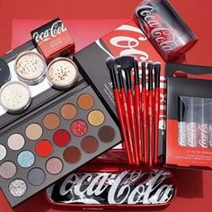 Morphe (@morphebrushes) • Zdjęcia i filmy na Instagramie Coca Cola, New Cosmetics, Makeup Must Haves, Drugstore Makeup, Morphe, Coco, Best Makeup Products, Close Up, Eyeshadow