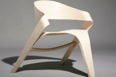 FORMAKERS / http://www.formakers.eu/project-919-alvaro-uribe-dynamic-copenhagen-chair