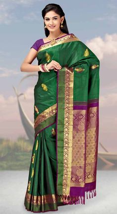 Find the gorgeous saree at our online store at Tajonline.com. Get flat 15% off on minimum order value INR 2000. Apply code sareesalex9y. Offer valid until 30 June 2017. Hurry up!  For more information click here: http://www.tajonline.com/gifts-to-india/gifts-AKE1653.html