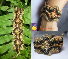 Pulsera  elaborada en macramé con hilo guajiro y un diseño de mariposa    el esquema tomado de aqui