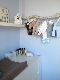 Leuk idee - Tak ophangen met babykleertjes eraan