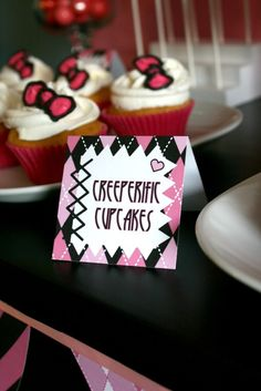 Cupcakes at a Monster High Party #monsterhigh #party