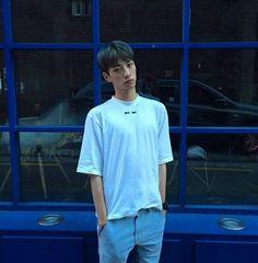 Kim Sun, Ulzzang Boy, Asian Boys, Sun Bin, Guys, Mens Tops, Fashion, Moda, Asian Guys
