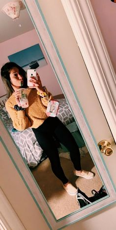 get fall outfits for school you need to try now Outfits 2019 Outfits casual Outfits for moms Outfits for school Outfits for teen girls Outfits for work Outfits with hats Outfits women Teenage Outfits, Lazy Outfits, Everyday Outfits, Outfits For Teens, Trendy Outfits, Girl Outfits, Fashion Outfits, Everyday Fashion, Prom Outfits