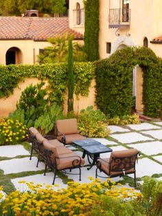 courtyard with pavers