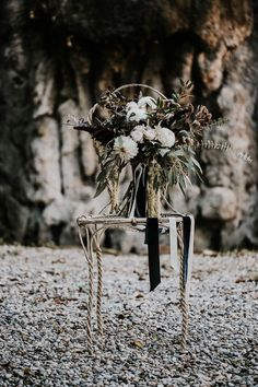 ethereal-and-dark-winter-wedding-inspiration-fresh-and-wood-7