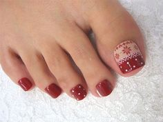 Here I have 15 Christmas toe nail art designs, ideas & stickers of Get the glimpses of these awesome Xmas nails and do revert us with your feedback. Pedicure Designs, Pedicure Nail Art, Toe Nail Designs, Toe Nail Art, Pedicure Ideas, Red Pedicure, Love Nails, How To Do Nails, Pretty Nails
