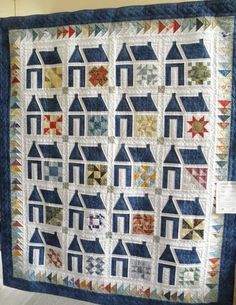 Beautiful quilted House Quilt - by ???