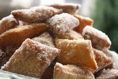 """Beignet synonymous with the English """"fritter"""", is the French term for a pastry made from deep-fried choux paste Thermomix Desserts, No Bake Desserts, Types Of Pastry, Carnival Food, Snack Recipes, Snacks, French Food, Fritters, Cornbread"""