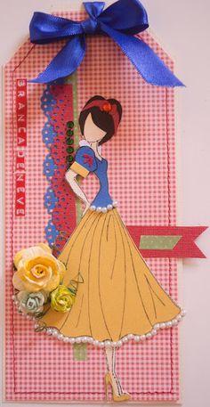 Arte em Papel Paper Doll Craft, Prima Paper Dolls, Prima Doll Stamps, Doll Crafts, Scrapbook Da Disney, Etiquette Vintage, Paper Dolls Printable, Handmade Tags, Artist Trading Cards