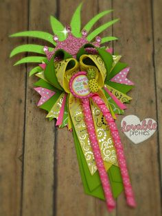 Chttps://www.facebook.com/pg/TheBowfairies/photos/?tab=album&album_id=10154687745283920heck out this Pineapple bow....love it....