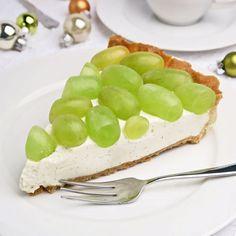 Kerstdessert: druiventaart met vanillebavarois. Een dunne krokante bodem gevuld met bavarois met echte vanille en frisse witte druiven: het ultieme dessert!