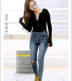 God but not those shoes ew Hyuna Fashion, Kpop Fashion, Asian Fashion, Airport Fashion, Hyuna Body, K Pop, Seungyeon Kara, Uee After School, Kpop Mode
