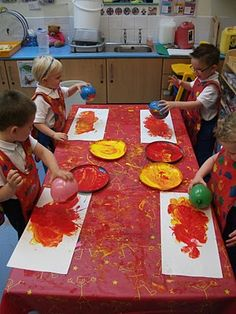 Fire painting: Painting with balloons - Red/Yellow Paint Preschool Painting, Preschool Activities, Balloon Painting, Paint Balloons, Fire Painting, Fireman Crafts, Fire Safety Week, High Scope, Fire Prevention Week