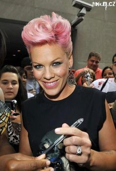 P!nk was born Alecia Beth Moore on September 8, 1979. Love this hair!