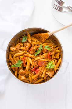 Spaghetti with chicken boricua style espaguetis con pollo criollo puerto rican chicken pasta juicy bites of chicken sauted peppers and onions and forumfinder Gallery