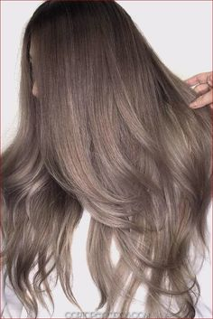 Trendy Hair Highlights : Ash brown hair colors, with their smoky and cool green, blue, and grey undertone… - Haar Ideen Different Brown Hair Colors, Ash Brown Hair Color, Ombre Hair Color, Light Brown Hair, Cool Hair Color, Ash Hair, Brown Colors, Cool Brown Hair, Ash Brown Ombre