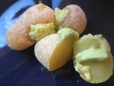 Well, let's get back to the recipe for today, papas arrugadas, one of the most typical dishes from the Canary Isles.