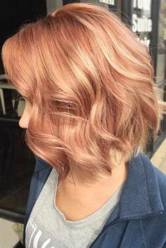 40 Beautiful and Flirty Strawberry Blonde Hair for a Fabulous Fall Look Trend bob hairstyles 2019 - 40 Schön und Flirty Erdbeerblondes Haar für einen fabelhaften Herbstlook Strawberry Blonde Hair Color, Ombre Hair Color, Strawberry Blonde With Highlights, Strawberry Blonde Hairstyles, Strawberry Hair, Hair Colors, Blonde Haircuts, Bob Hairstyles, Wedding Hairstyles
