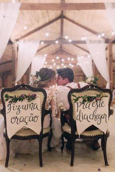 Casamento no celeiro com detalhes apaixonantes - Berries and Love On Your Wedding Day, Wedding Tips, Perfect Wedding, Wedding Favors, Wedding Ceremony, Wedding Planning, Dream Wedding, Reception, Wedding Timeline