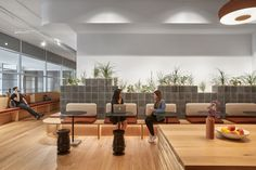 Studio O+A has implemented a nature-inspired design concept for Slack's new headquarters located in San Francisco, California. When Slack asked O+A to Terrace Building, Building Exterior, Nook Cafe, San Francisco, Vancouver, Wall Installation, Co Working, Cool Apartments, Classic Interior
