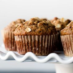 Whole wheat and healthy without lacking flavor or moisture! These delicious whol… Whole wheat and healthy without lacking flavor or moisture! These delicious whole wheat banana nut muffins are made without refined sugar. Whole Wheat Banana Bread, Whole Wheat Muffins, Banana Nut Bread, Banana Bread Recipes, Apple Recipes, Baking Recipes, Flour Recipes, Banana Muffin Recipe Easy, Healthy Banana Muffins