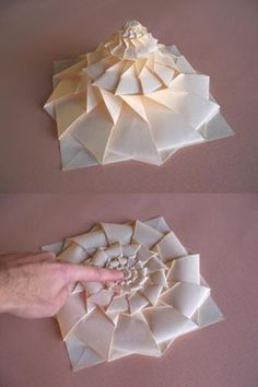 Origami Maniacs: Origami Flower Tower. I want to make one so badly!