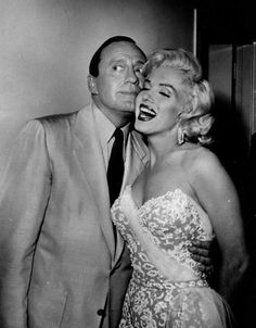 Monroe shares a joke with comedian Jack Benny in 1954. Photo: Keystone, Getty Images / Hulton Archive