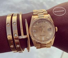In envy! repost what a collection! Rolex Bracelet, Cartier Bracelet, Cartier Jewelry, Jewelery, Jewelry Watches, Diamond Jewellery, Cartier Armband, Cartier Love Ring, Cartier Gold